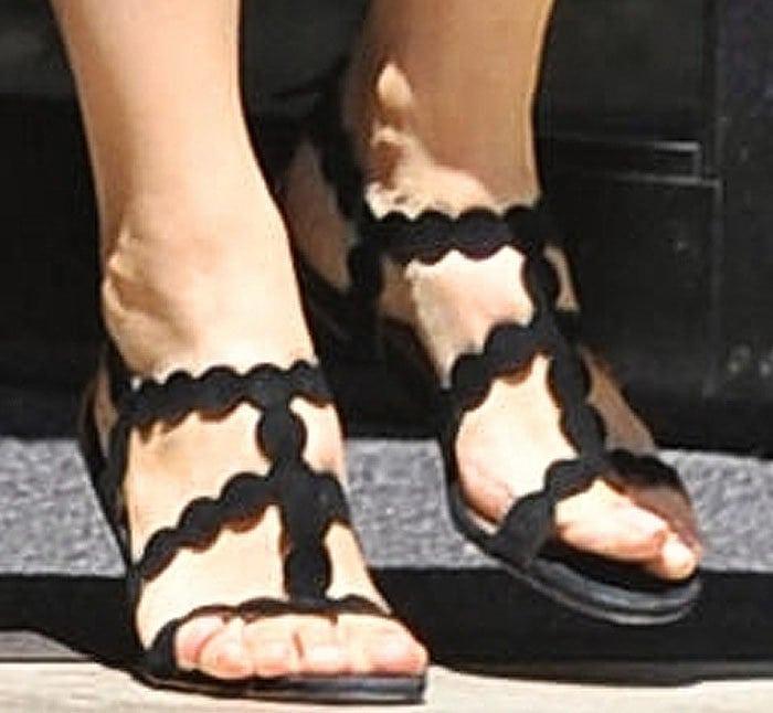 Jennifer Garner Violet Church Alaia 3
