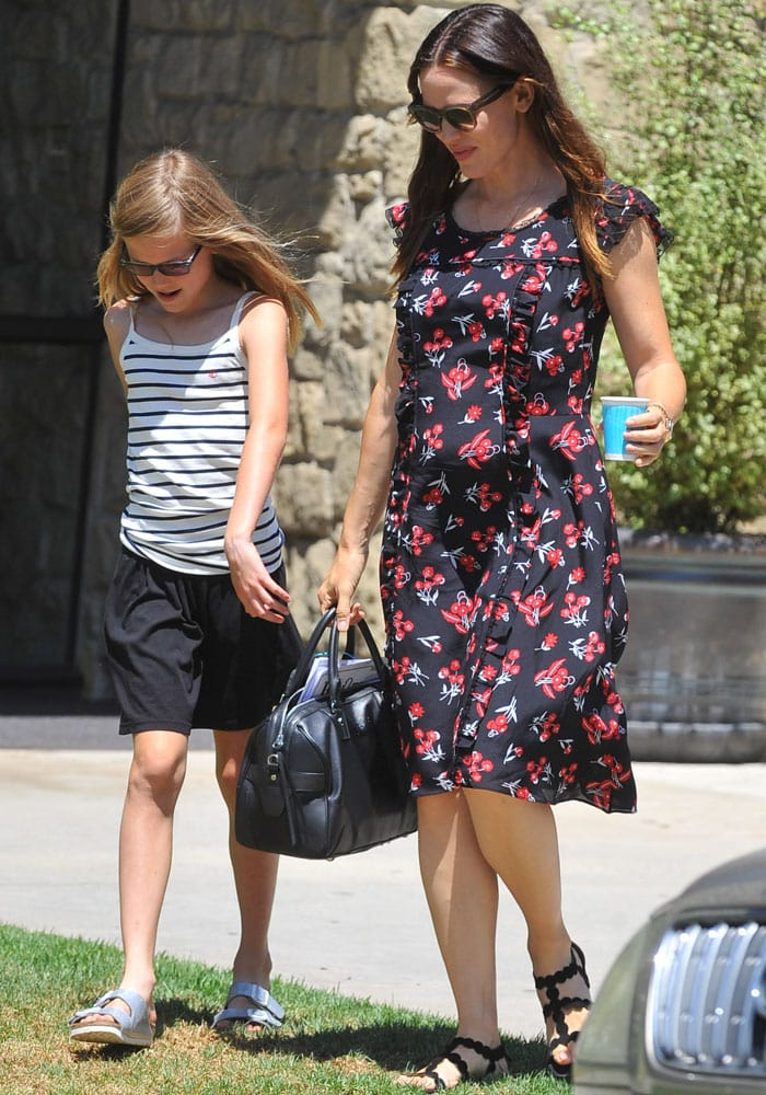 Jennifer Garner Violet Church Alaia 4