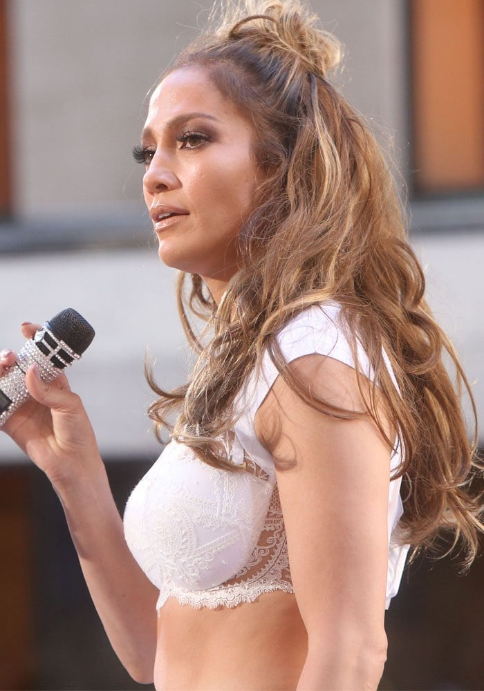 """Jennifer Lopez performs """"Love Make the World Go Round"""" to honor the victims of the Orlando shooting on the""""Today"""" show at the Rockefeller Plaza, New York on July 11, 2016"""