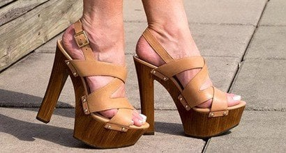 f38083dc5829 Ultra-Chunky Wooden Platform Jessica Simpson  Damelo  Sandals