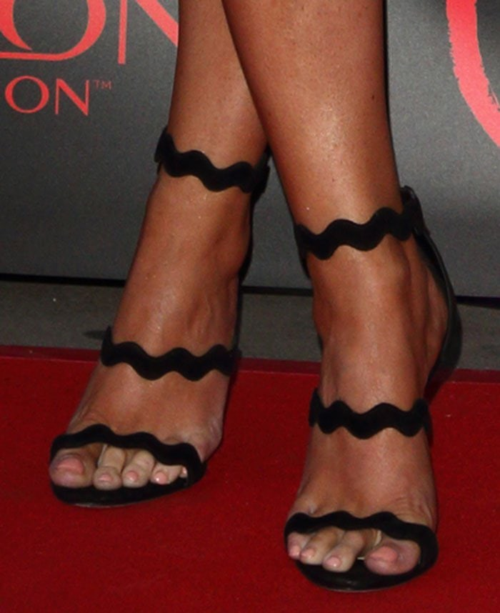 Jessica-Wright-Prada-tripe-strap-wavy-sandals