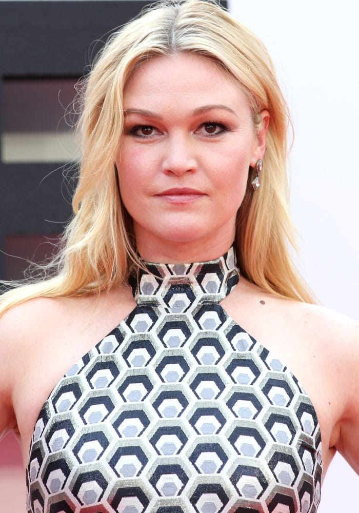 """Julia Stiles plays the role of Nicolette """"Nicky"""" Parsons, the primary heroine of the Bourne film series"""