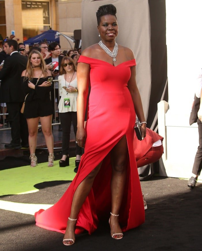 Leslie Jones had problems finding a designer to create a dress for her