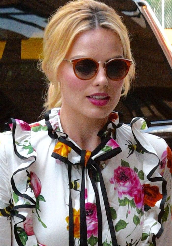 Margot Robbie Hotel Manhattan Gucci 1