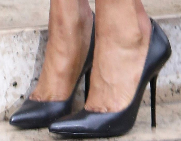 Naomi Campbell PFW Versace Black Pumps 2