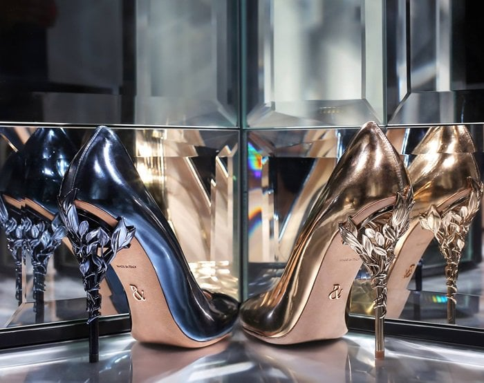 As if from an enchanted fairy-tale, abandoned by an imperial Tsarina in the pursuit of time, the Eden pump is celestial and romantic