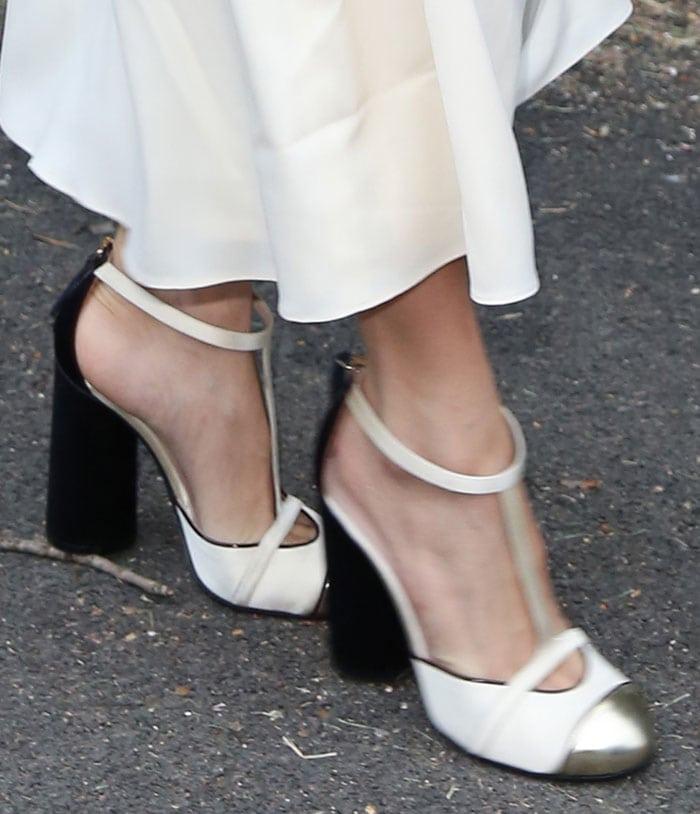 Sienna Miller's hot feet in Tommy Hilfiger pumps