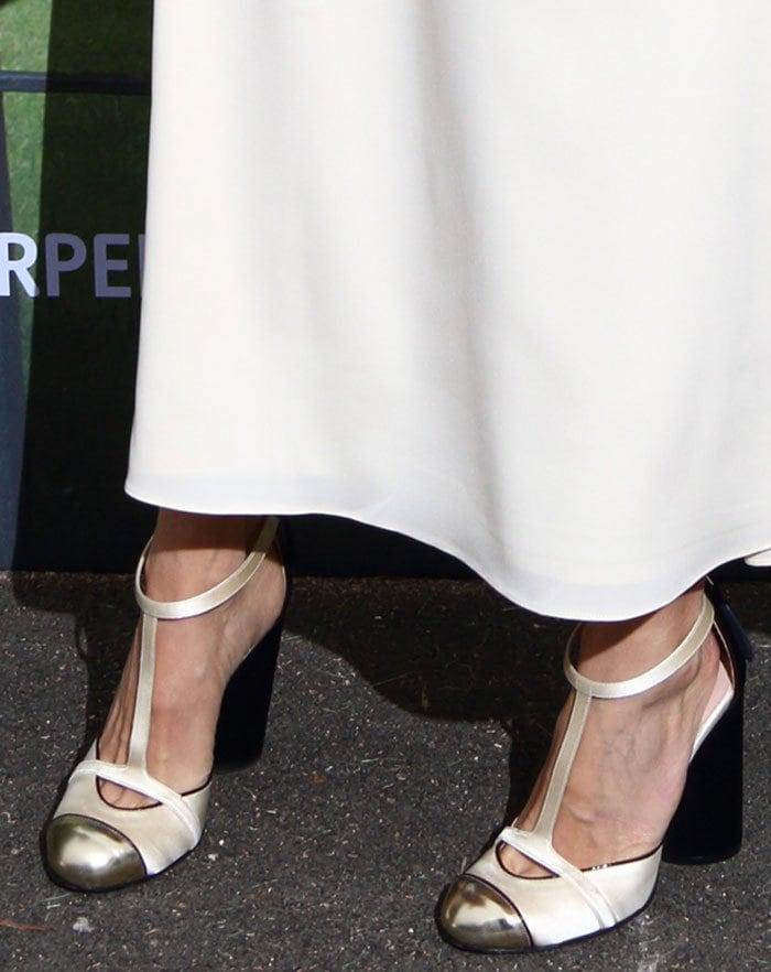 Sienna Miller's pumps withmetallic cap toes