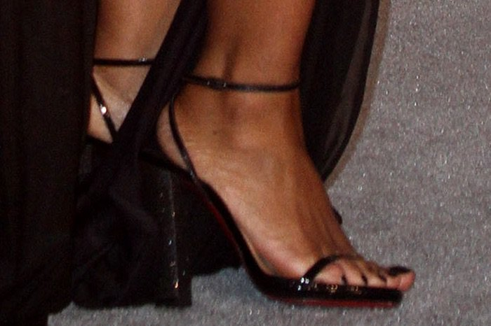 Toni Braxton's feet in Christian Louboutin Au Palace sandals