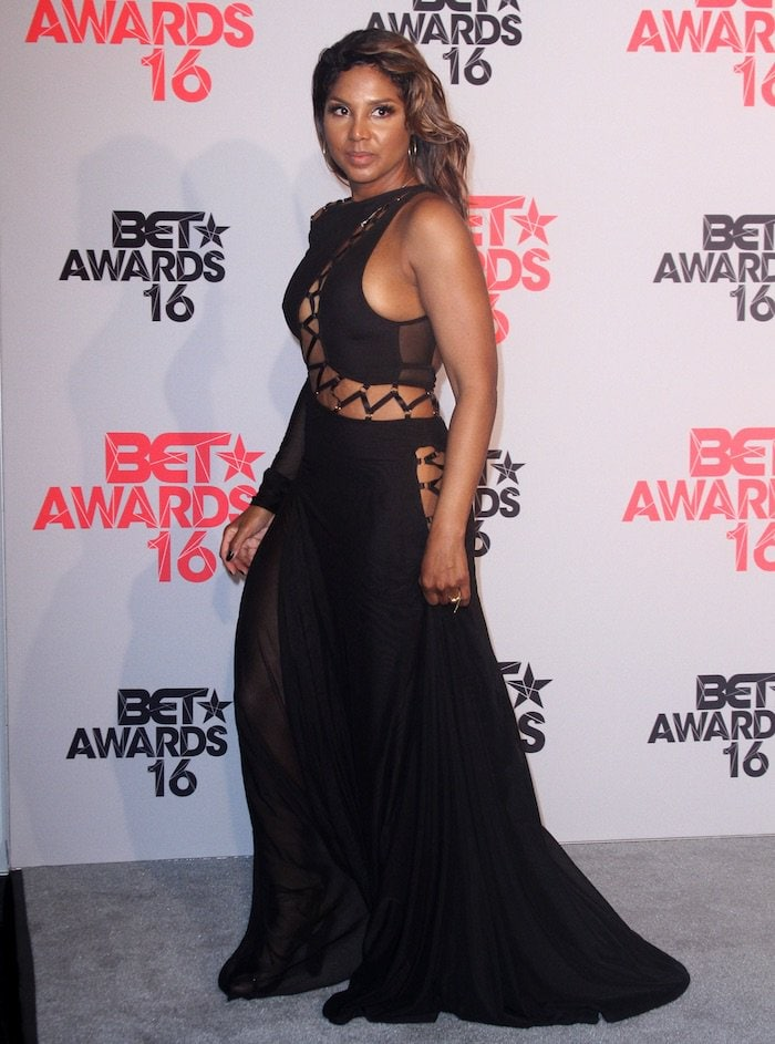 Toni Braxton's outfit was styled by Ashley Sean Thomas