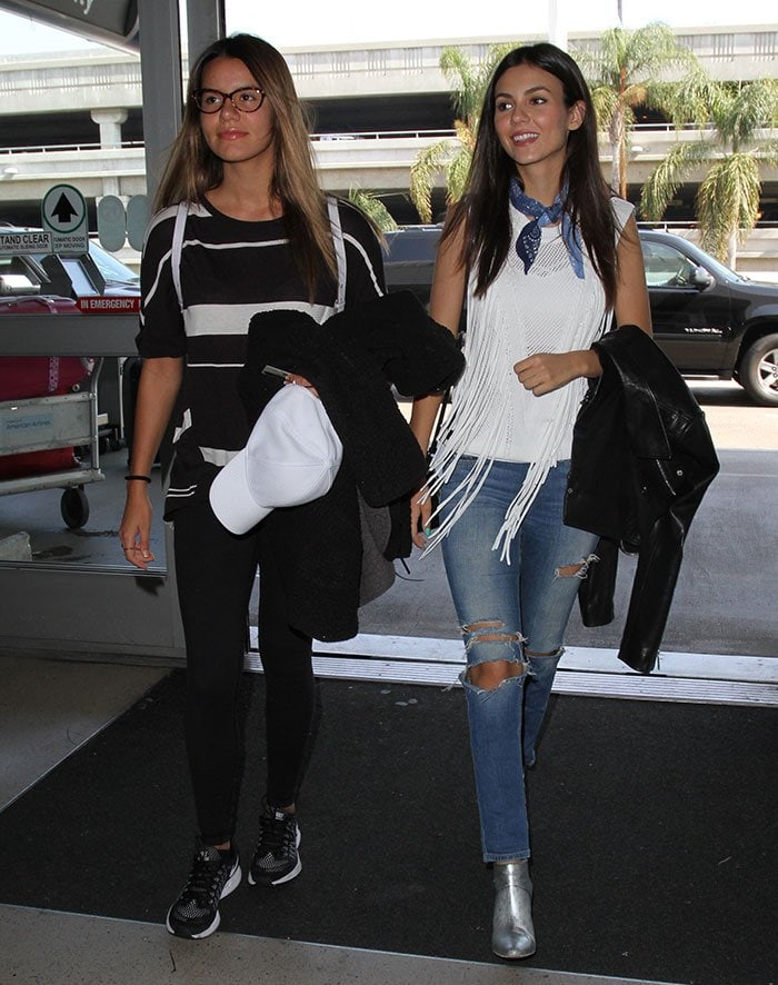 Victoria-Justice-Madison-Reed-Los-Angeles-International-Airport-LAX