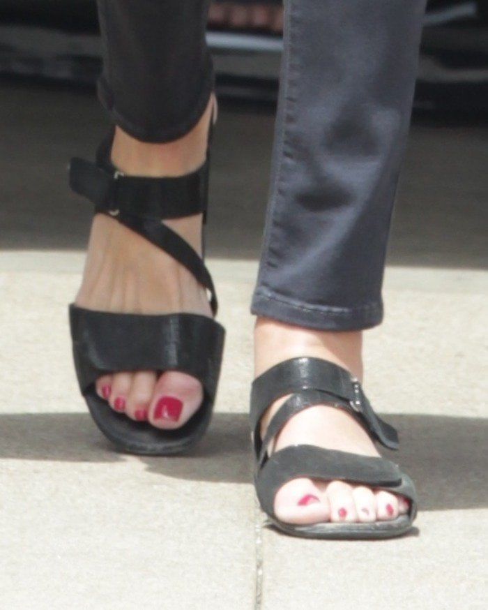 caitlyn jenner out in malibu sandals 2