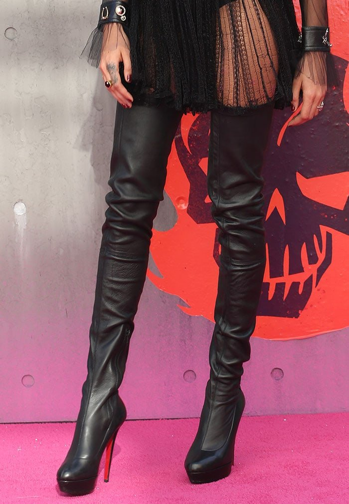 new concept eb7d4 a929c Cara Delevingne Stylish in Christian Louboutin 'Gazolina' Boots