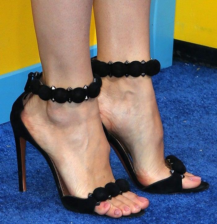 Jennifer Garner In Alaia Studded Suede Sandals At Nine