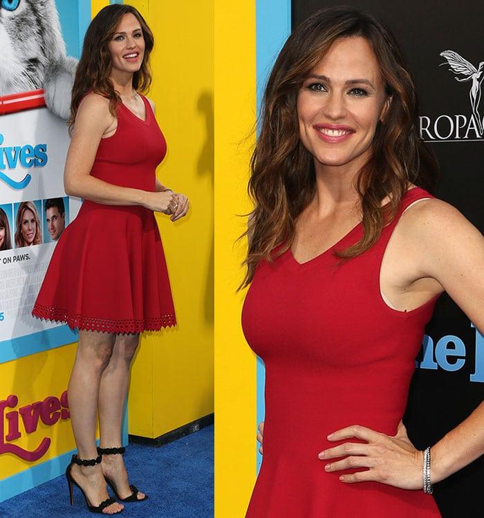 Jennifer-Garner-Alaia-red-dress