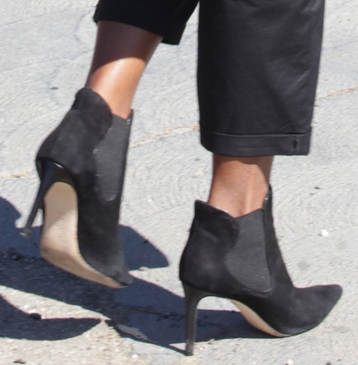 Kerry-Washington-black-suede-ankle-boots