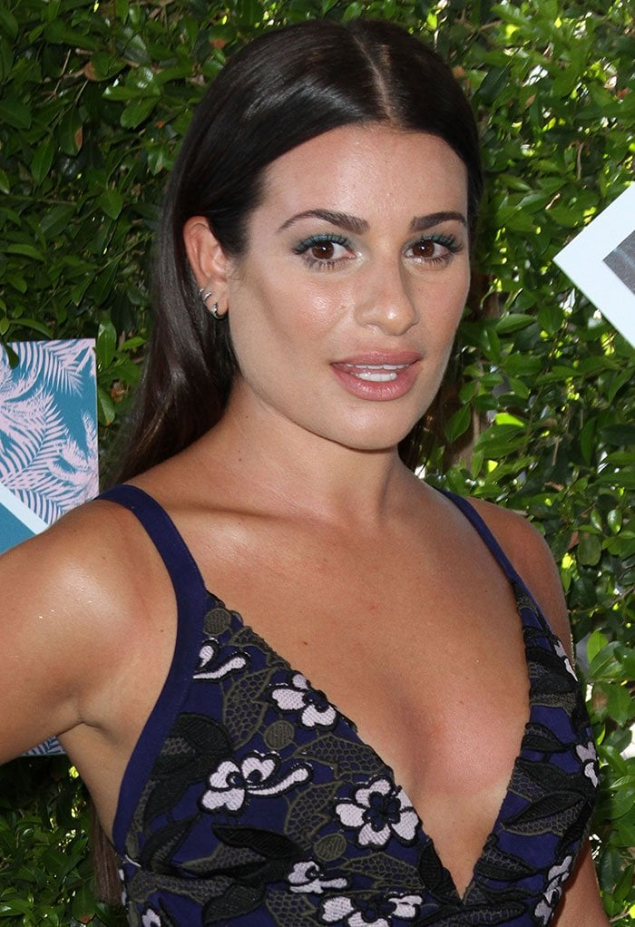 Lea-Michele-middle-parted-straight-hair-blue-eyeliner