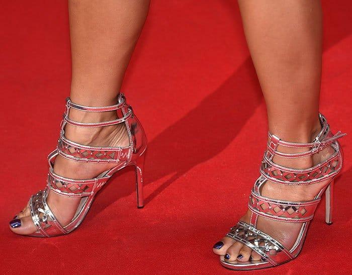 Nicole Scherzinger's pretty feet in studded Carvela sandals