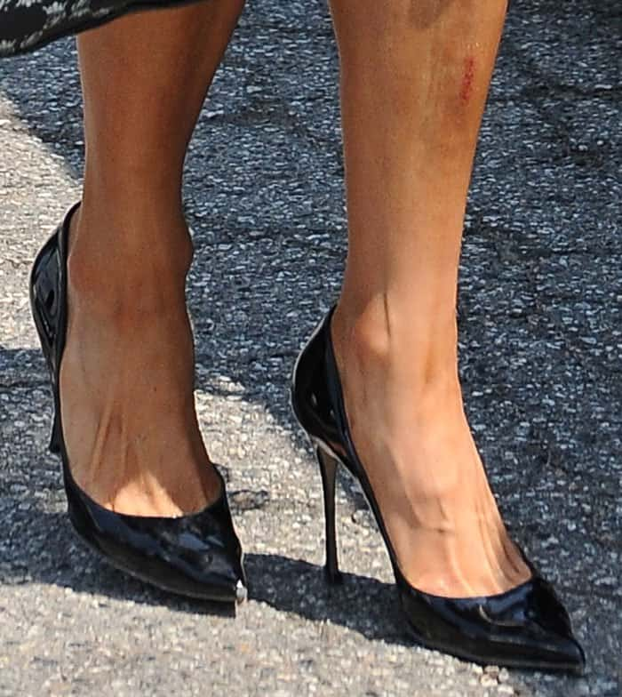 Paris Hilton Summery In Black Dress And Prada Pumps