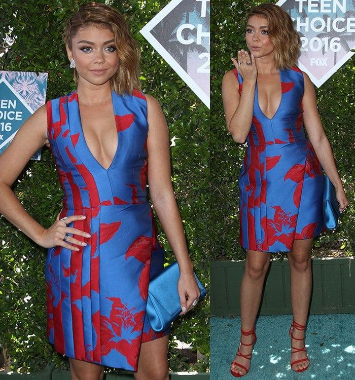 Sarah-Hyland-cleavage-J-Mendel-Teen-Choice-Awards