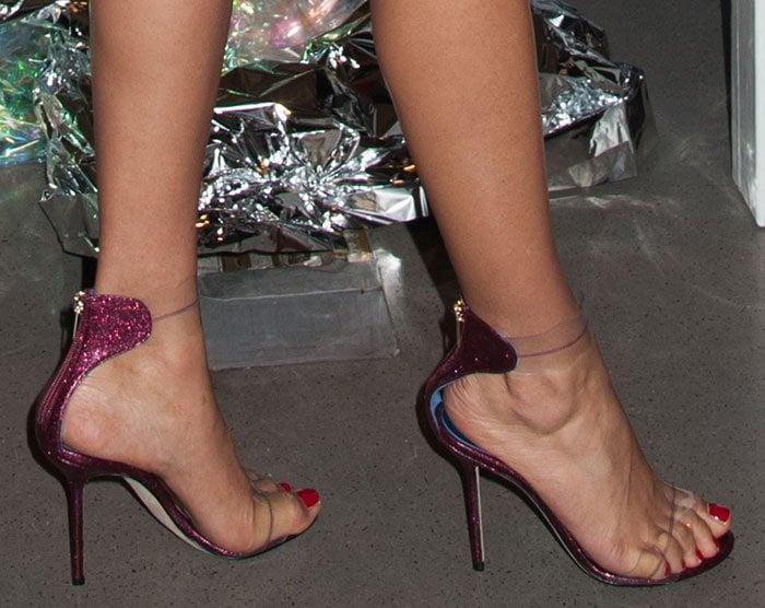 Shanina Shaik shows off her feet in Marskinryyppy sandals