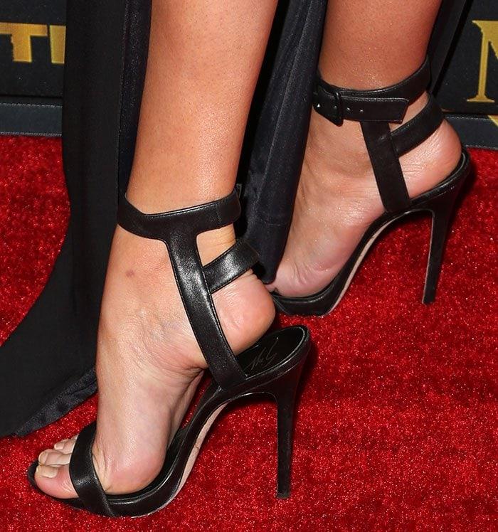 Stella-Maxwell-Giuseppe-Zanotti-caged-back-sandals