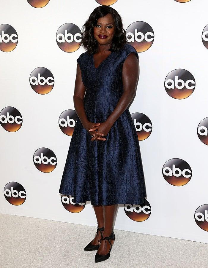 Viola-Davis-ladylike-metallic-blue-dress