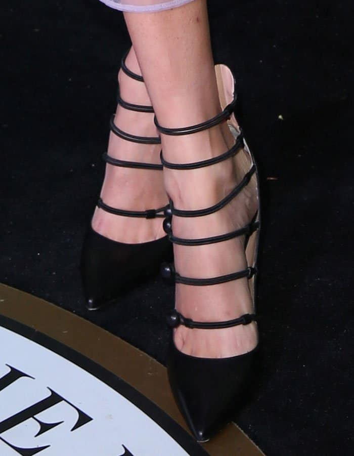 alexa-chung-gianvito-rossi-strappy-leather-point-toe-pumps