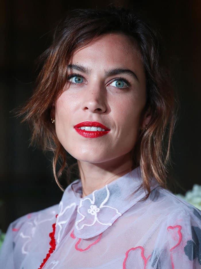 alexa-chung-red-lipstick