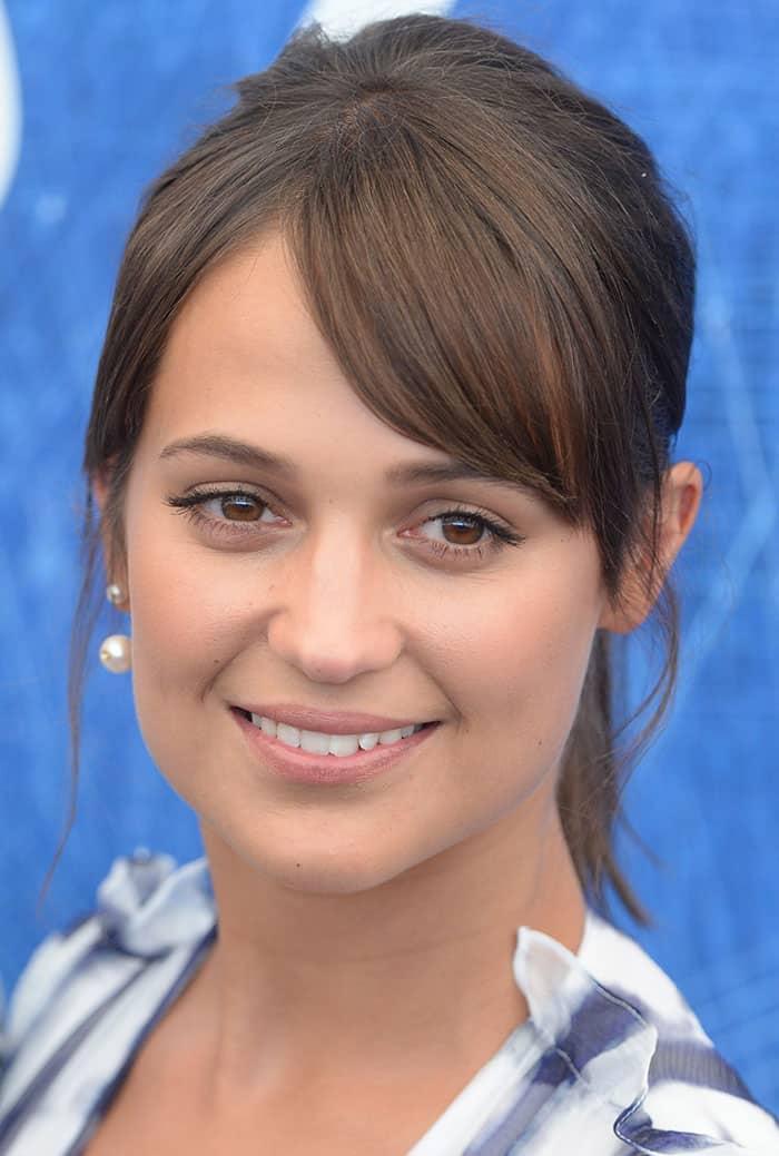 Alicia Vikander'squirky Delfina Delettrez pearl earring