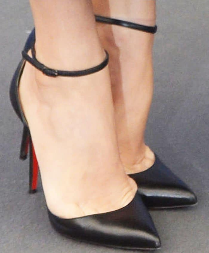 "Amy Adams wearing classic Christian Louboutin ""Uptown"" pumps"