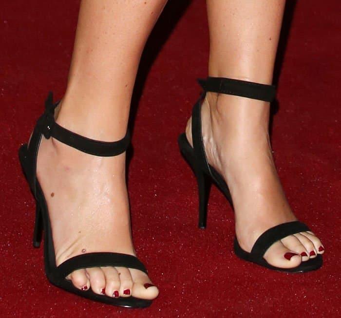 amy-schumer-alexander-wang-antonia-sandals