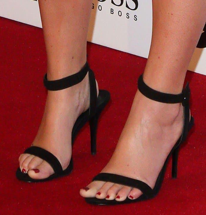 amy-schumer-alexander-wang-sandals