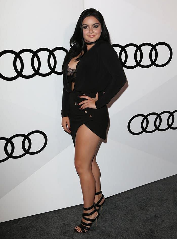 Ariel Winter breaks fashion rule in plunging asymmetric black dress