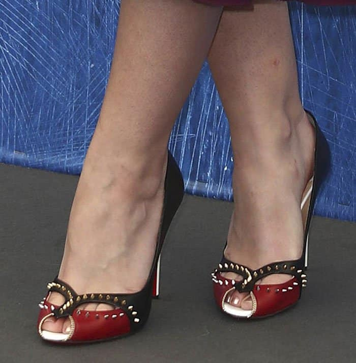 Dakota Fanning's shoes are inspired byMexican wrestling masks