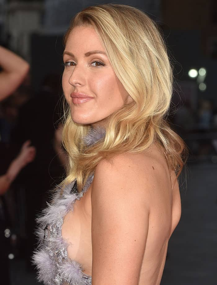ellie-goulding-side-boob-sexy-back
