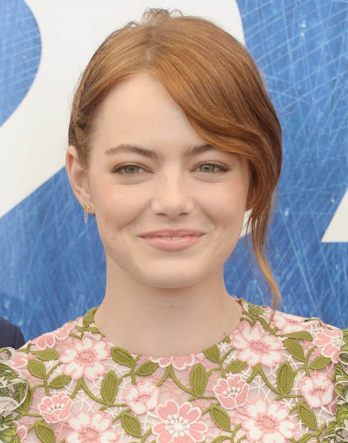Emma-Stone-minimal-makeup-updo