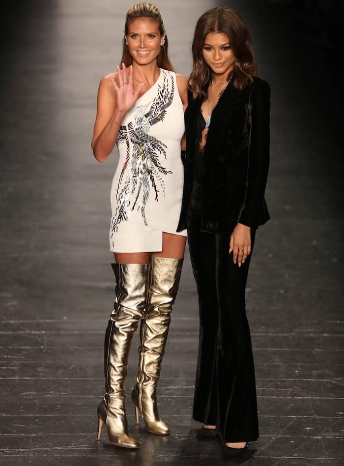 Heidi Klum Hosts Project Runway Finale In Gold Thigh High