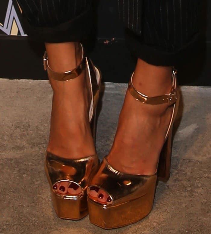 Jessica Alba in Giuseppe Zanotti 'Betty' platform sandals