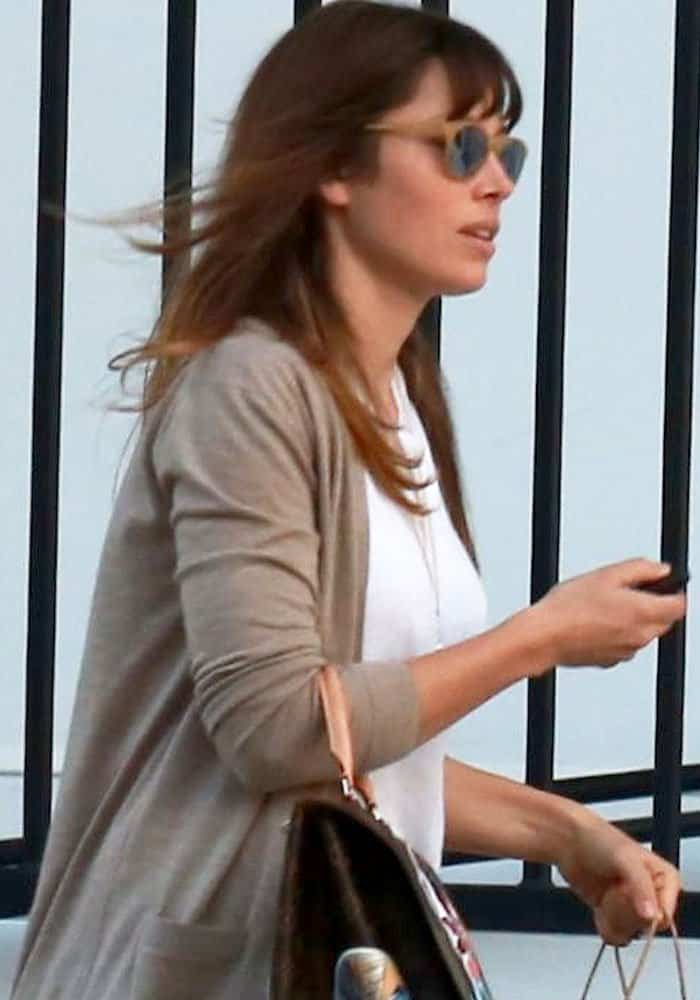 jessica-biel-west-hollywood-prada-1