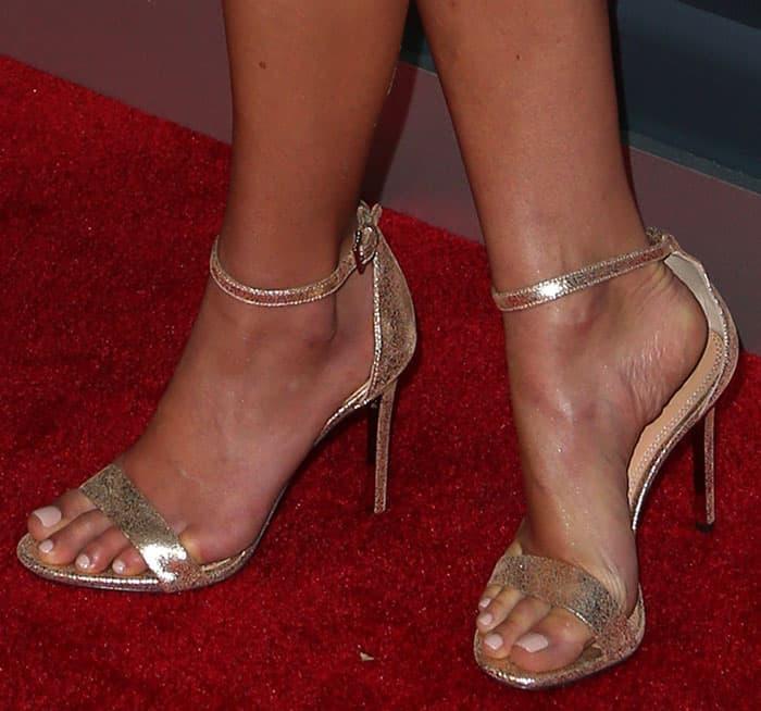 jordana-brewster-tory-burch-keri-sandals