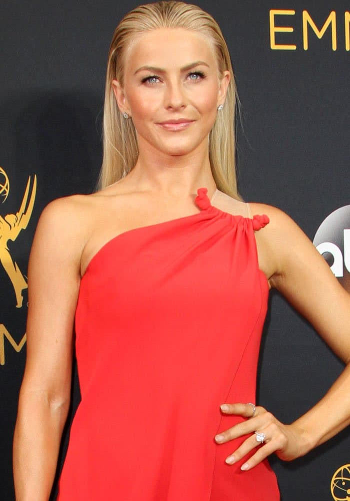 Julianne Hough wore a gorgeous soft red dress by Armani