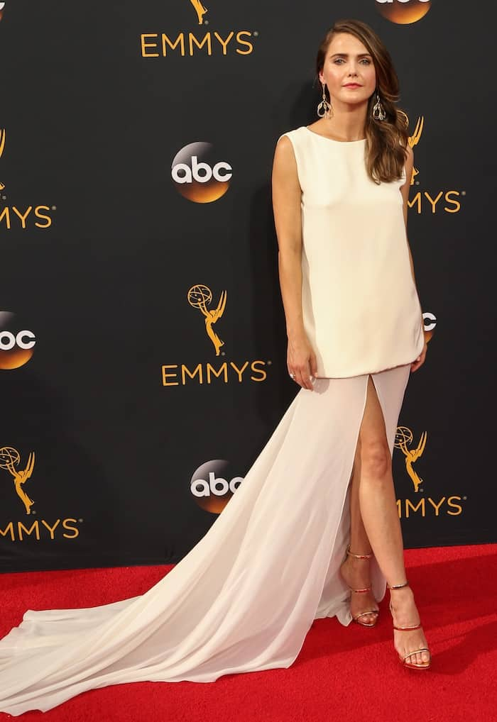 keri-russell-68th-emmys4