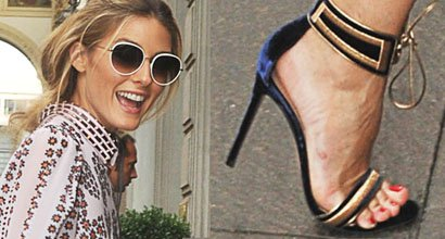 c9ec53241a9 Olivia Palermo Transitions Day to Night in Gianvito Rossi  Augusta  Sandals