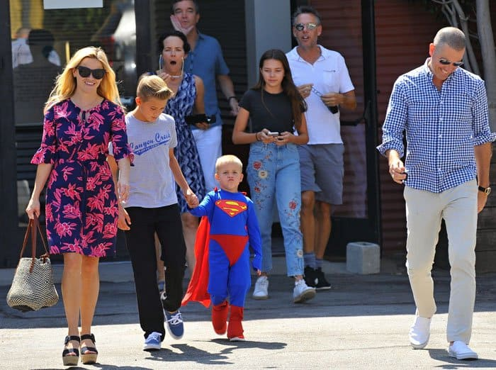 Reese Witherspoon Church Family Prada 4