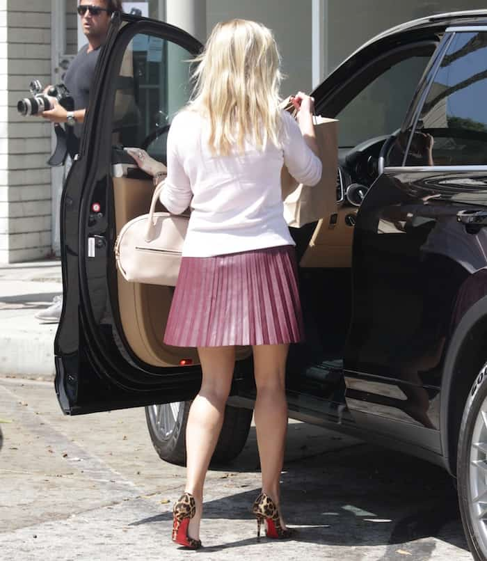Reese Witherspoon leaving au fudge3