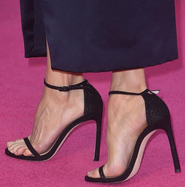 renee-zellweger-stuart-weitzman-sandals
