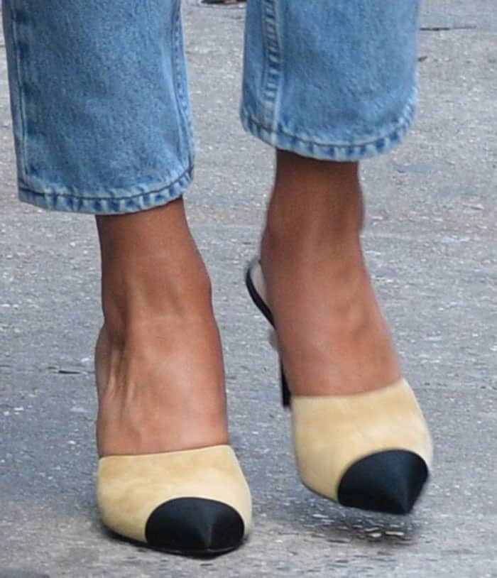 Rosie Huntington-Whiteley shows off her feet in Chanel mules