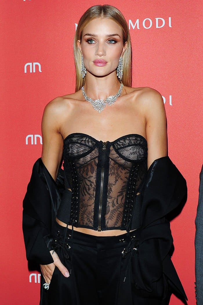 Rosie Huntington-Whiteley's Nirav Modi Ainra Waterfall earrings look as though they are literally made of light
