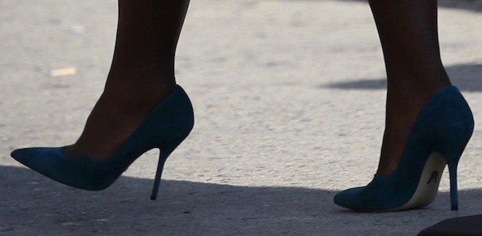 lupita-nyongo-jimmy-kimmel-shoes2